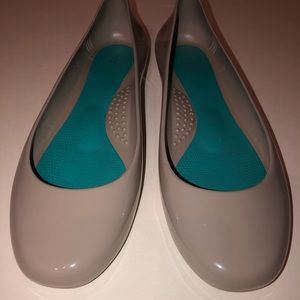 Oka-B Taylor ballet flat (Dove) Size US 9 in box